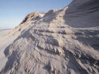Высота дюн достигает нескольких десятков метров