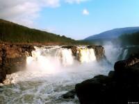 Водопад на р. Курейка - самый мощный на плато