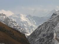Верховья реки Ванч. Ледник Абдулхагор, вид на пик Революции